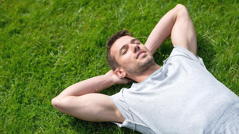 Sonni difficili? Ecco cosa mangiare per svegliarsi freschi e riposati!