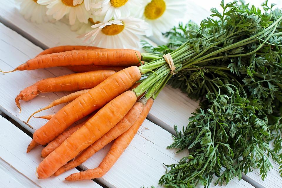 Estate, la top 3 degli alimenti che aiutano la tua abbronzatura