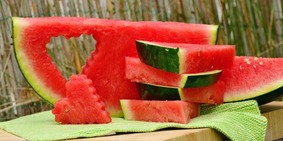 I 3 alimenti più freschi per combattere il caldo ad agosto